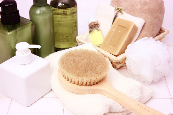 汚れを吸着させる効果的なモンモリロナイトクレイ洗顔の方法とは?